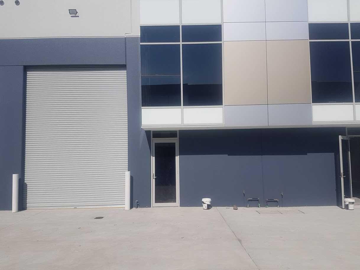 Luxury Boutique Warehouse with Mezzanine