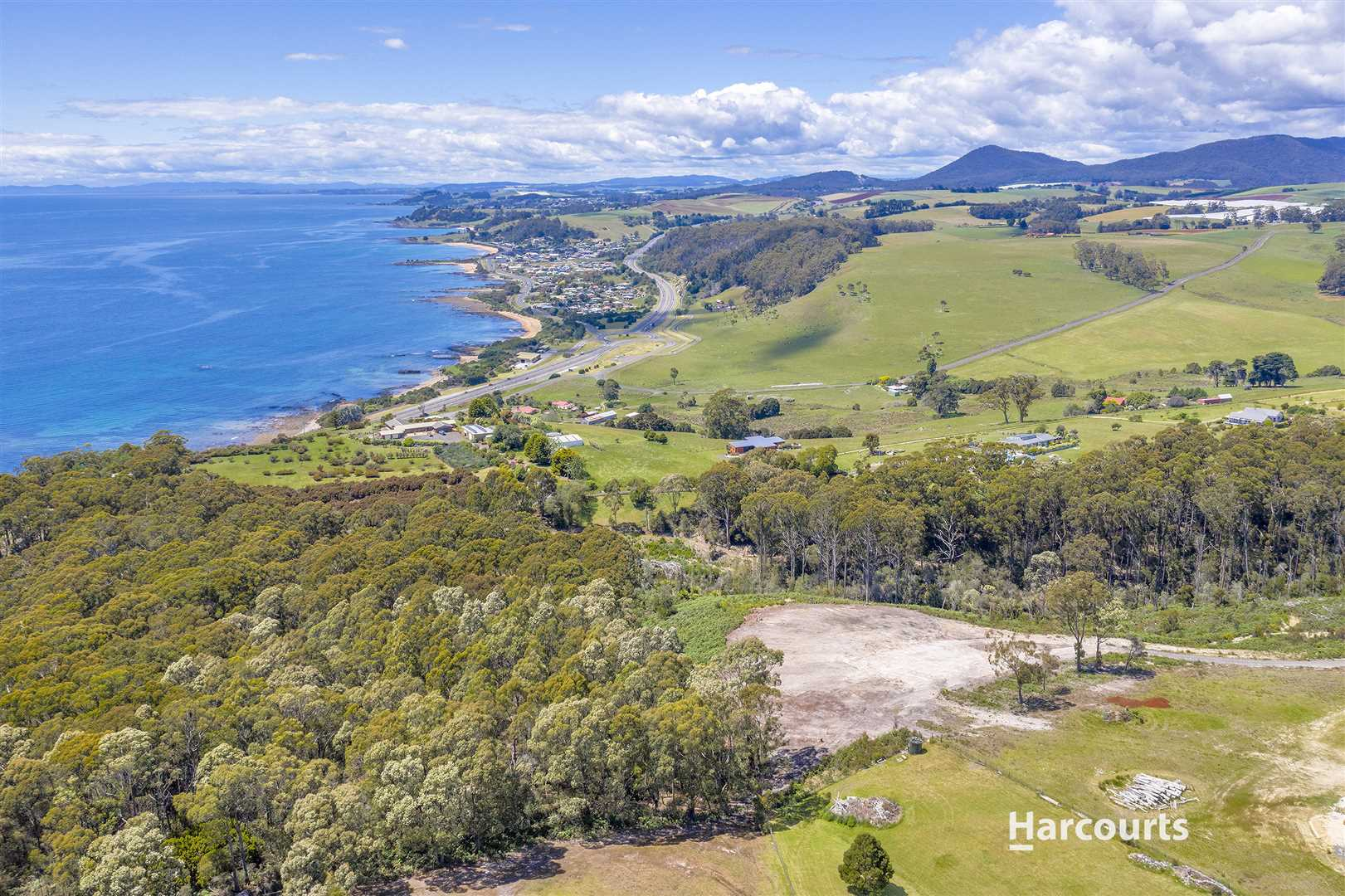 Acreage with Stunning Views!