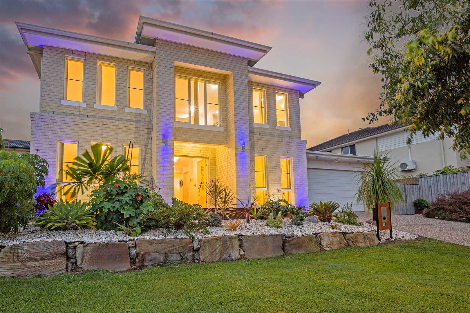 The Perfect Family Home - Comfort and Elegance in Carseldine