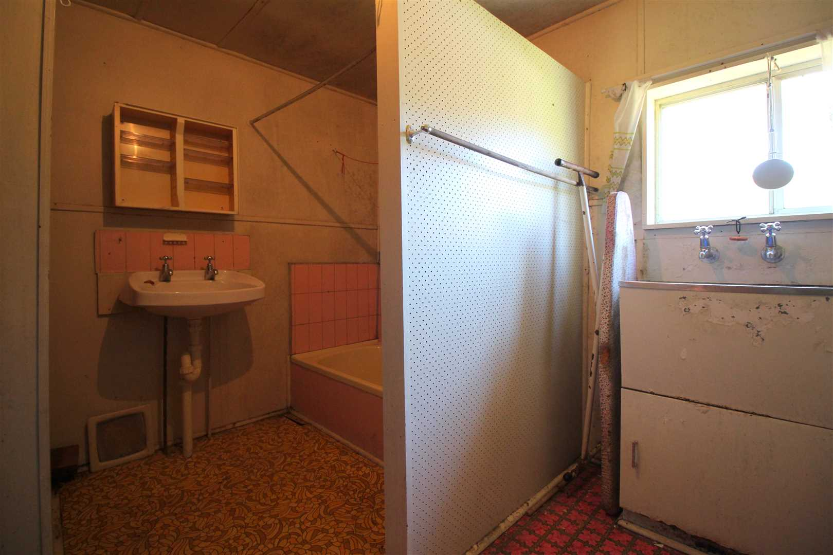 Bathroom/Launry