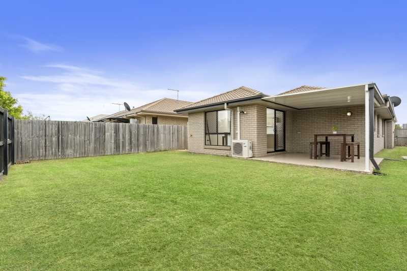 Family Home Located In Centrale Village North Lakes