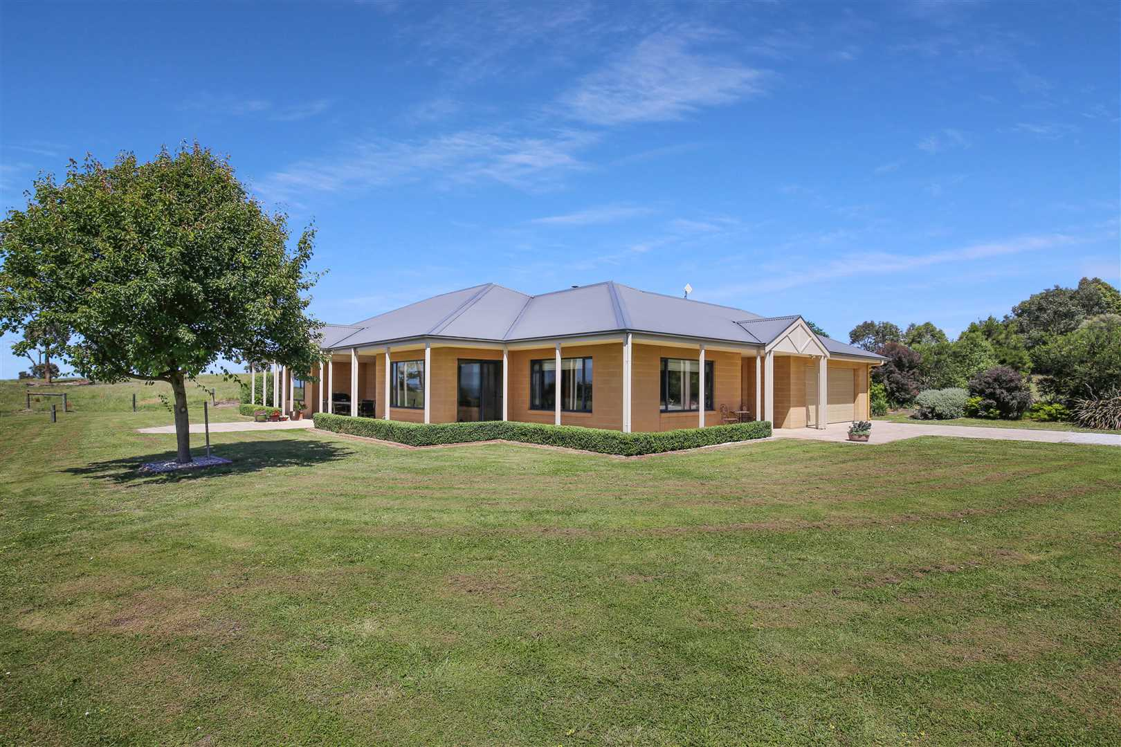 83 Acres - Country living at its best!
