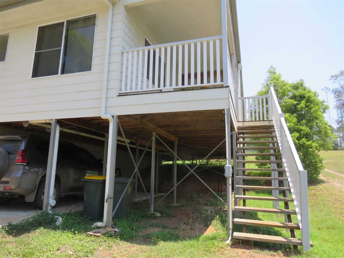 stairs lead to verandahs to entrance ways