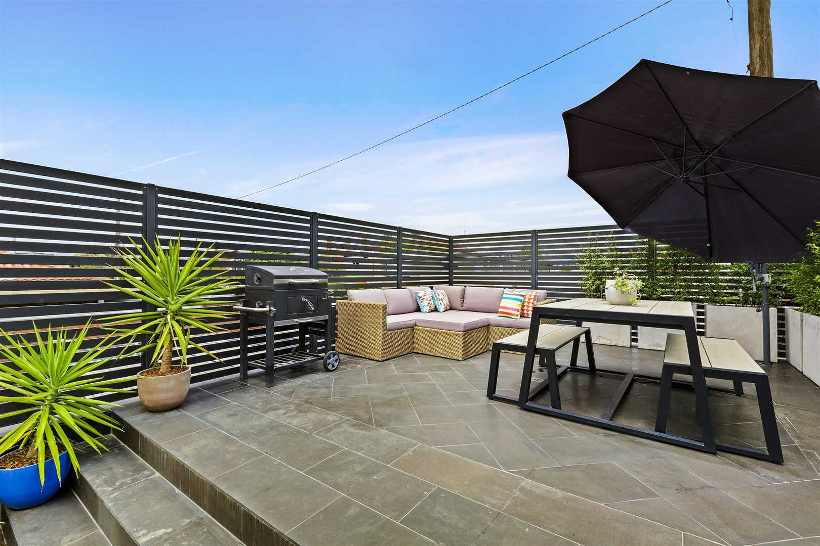 Sun Splashed Townhouse With An Amazing Outdoor Sanctuary...
