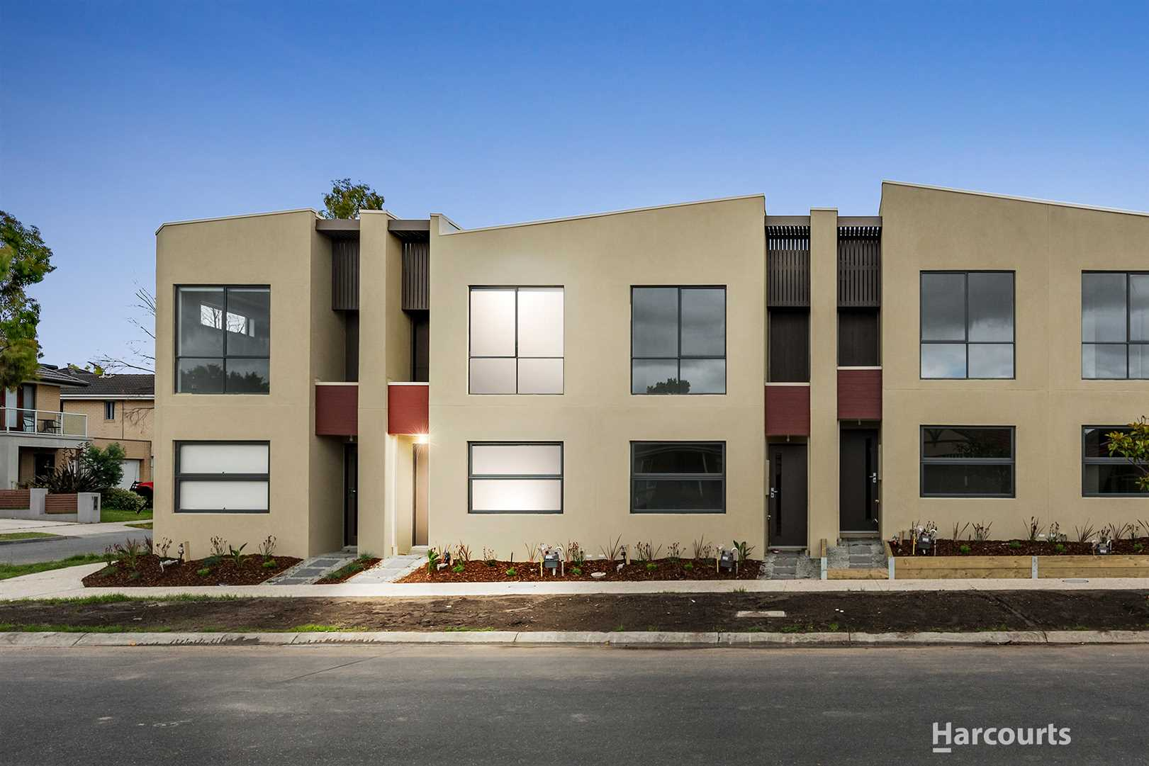 Brand New In the Heart Of Lakeside...
