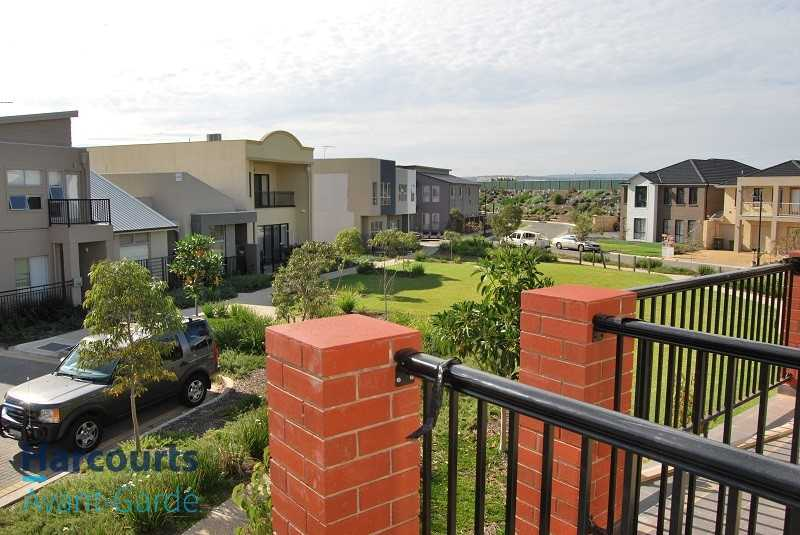 Townhouse in Mawson Lakes