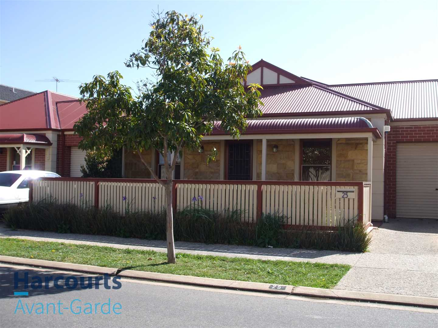 Cute Cottage In Central Mawson Lakes