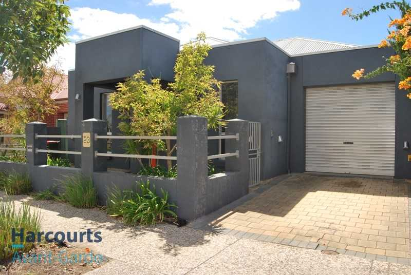 Trendy Home in Central Mawson Lakes