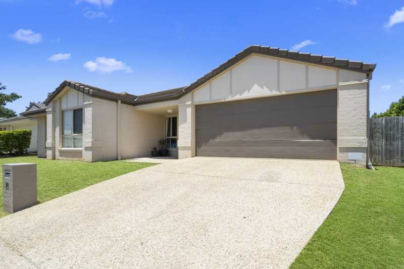Spacious home in the popular Northquarter Estate!