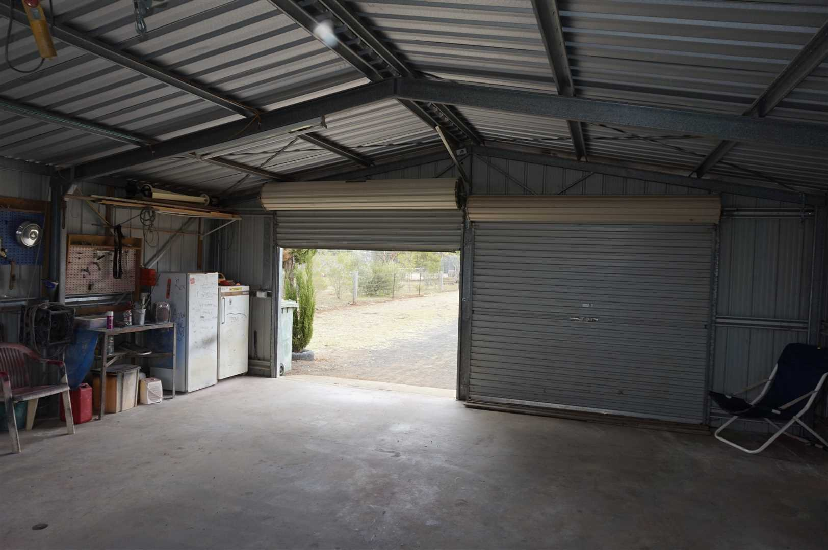 Double lock up Garage with Power