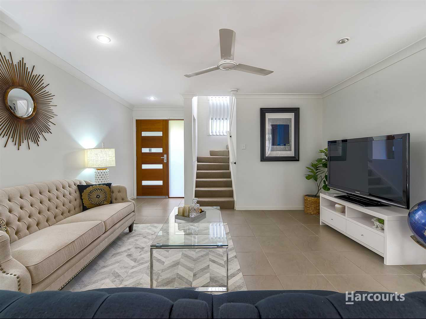 Stylish Townhouse Ready to Move In