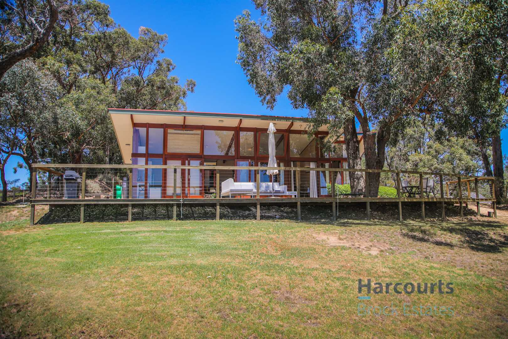 An Environmentally Friendly Retreat with Amazing Views