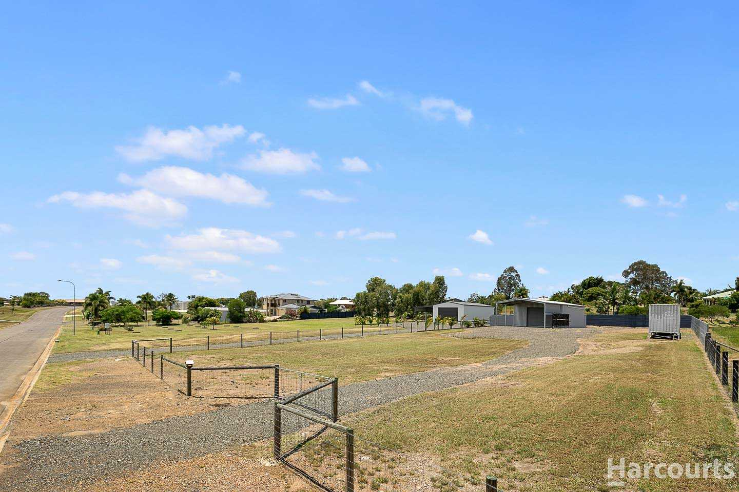 Perfect Place To Call Home - 2161m2 + A Shed