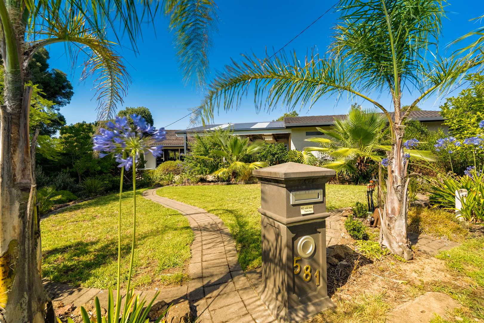 Great location , beautifully renovated home
