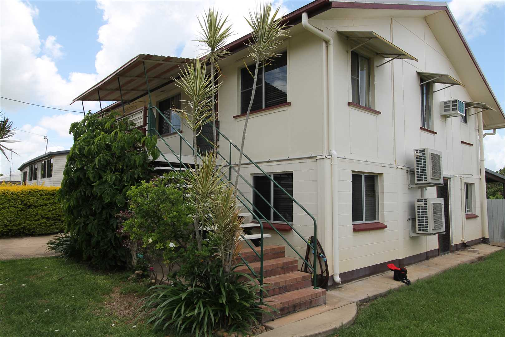 Fully air-conditioned Large Family Home