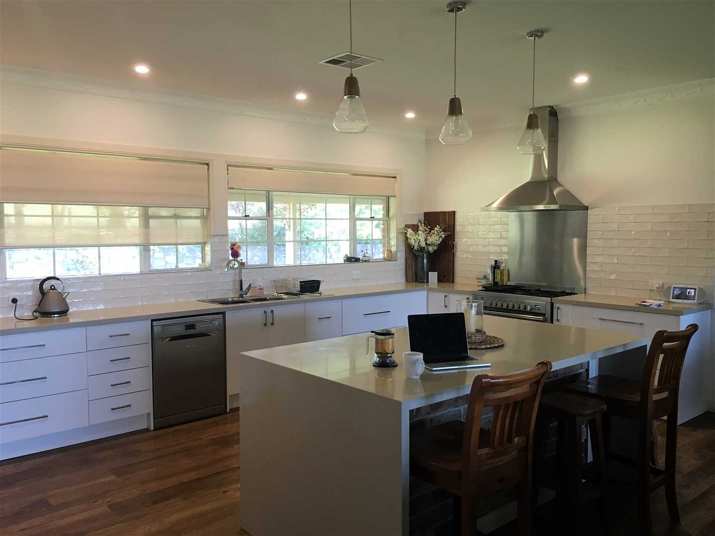 Open Plan Kitchen - Fully renovated