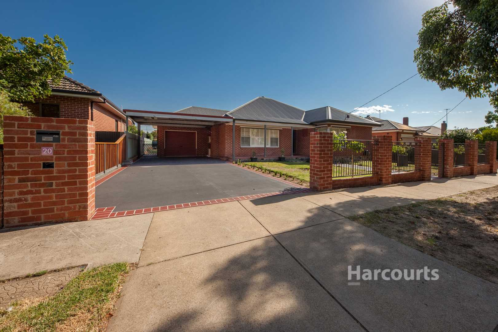 Central West Red Brick with full Makeover complete - 768m2