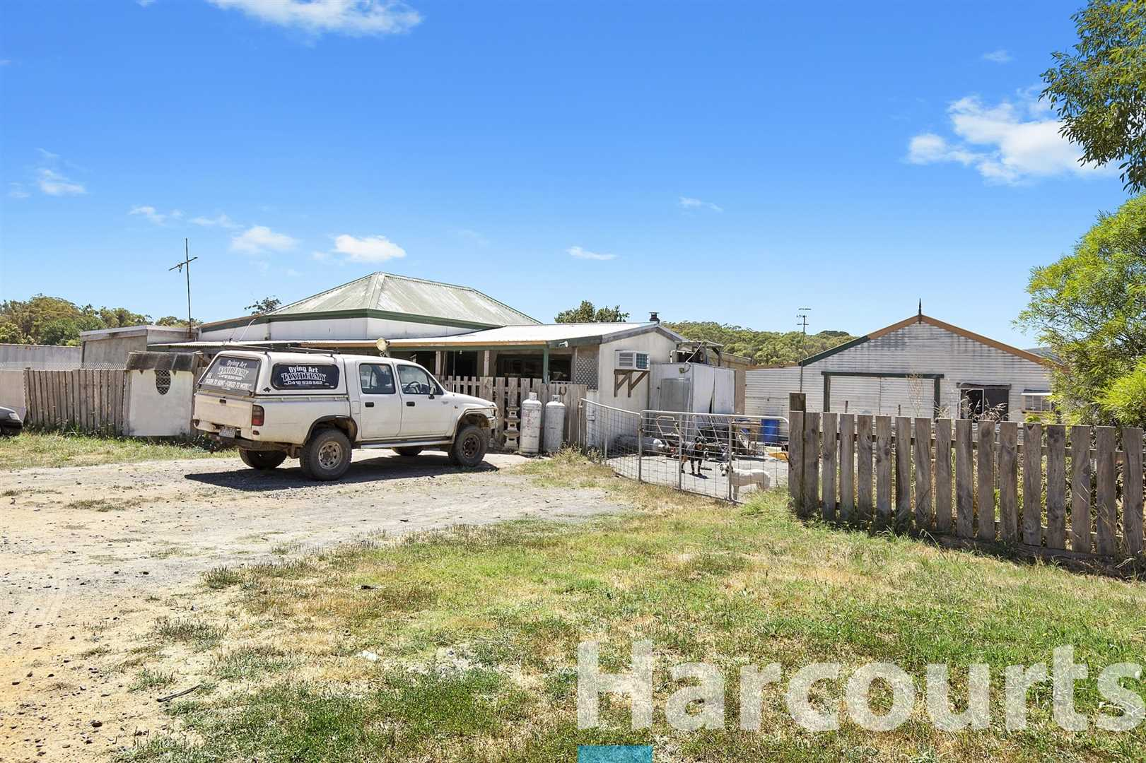 One For The Tradies - Approximately 1 Acre