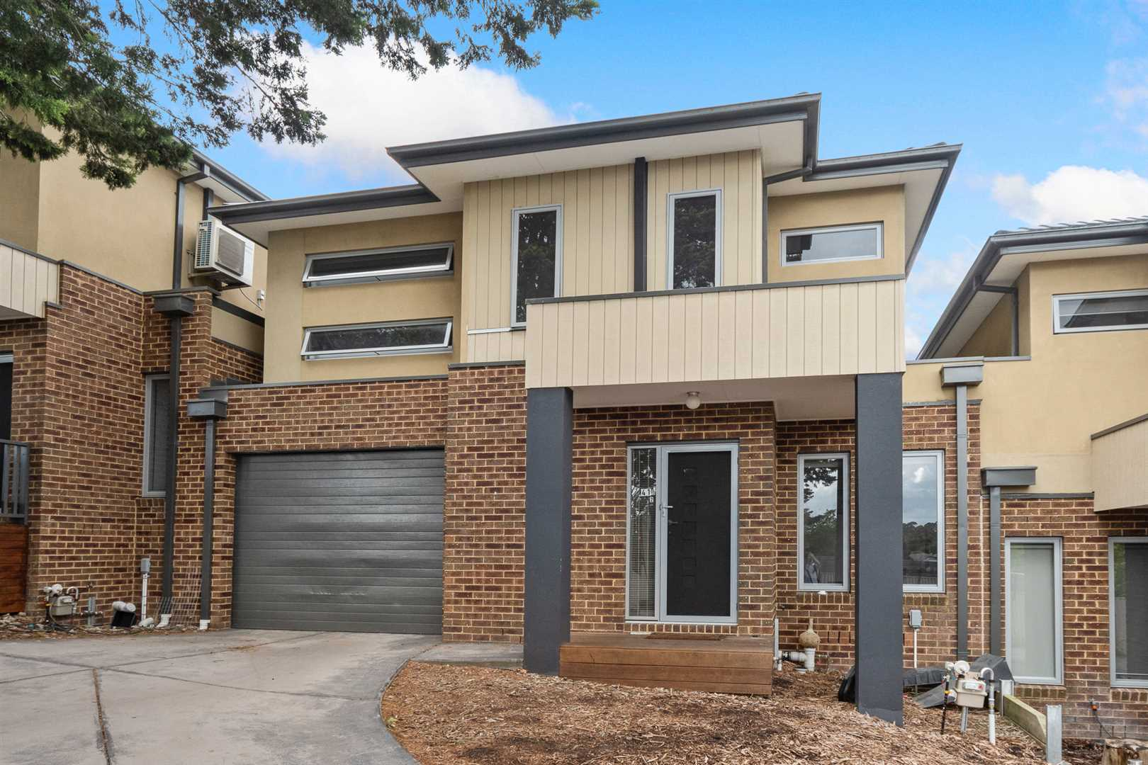 Quality Two Storey Townhouse in the Zone!