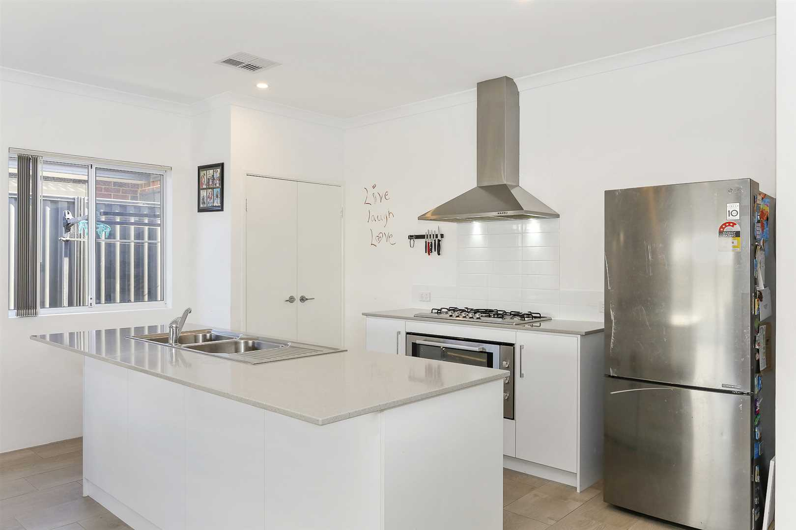 Sparkling Essa stone benchtops and large oven!