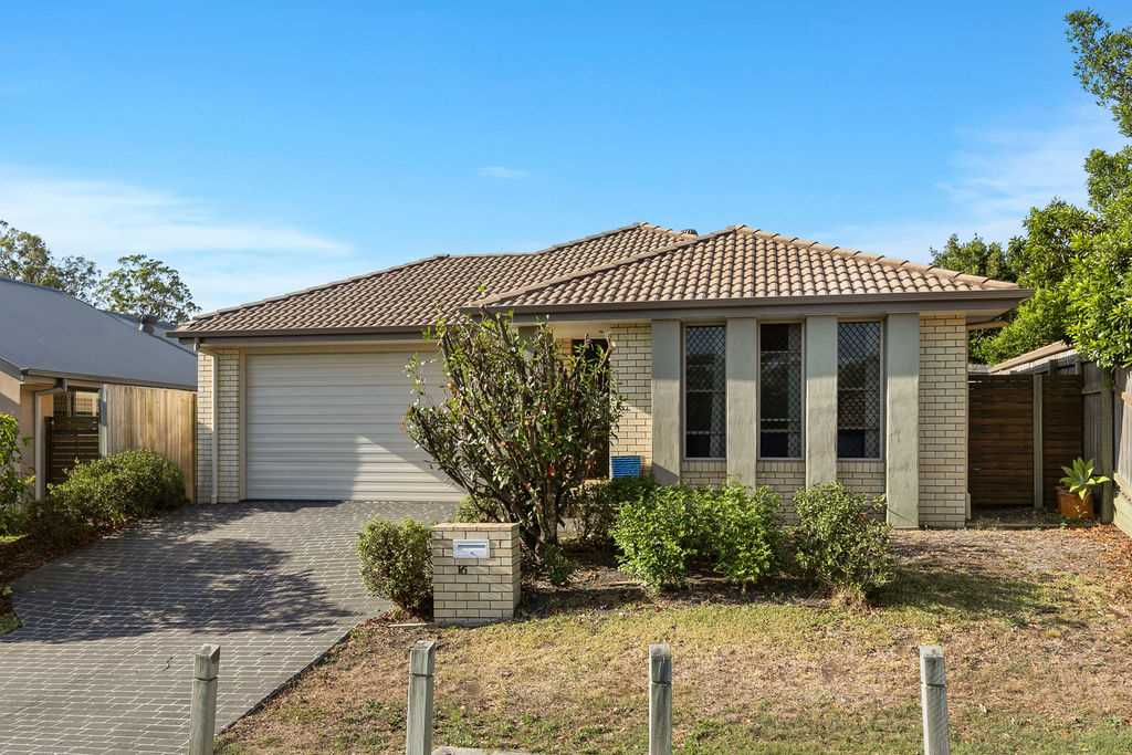 Great Family Home in Excellent Location!