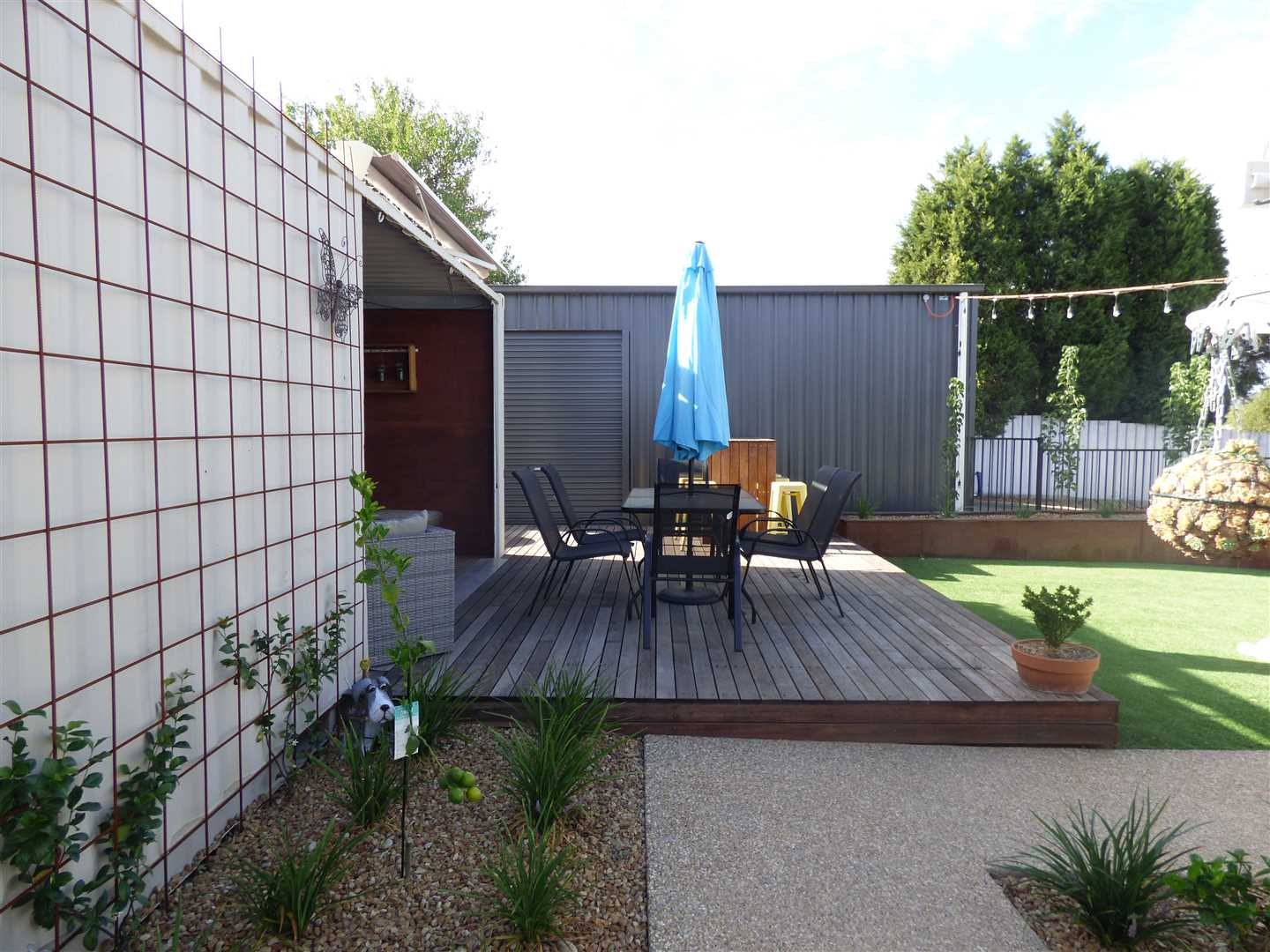 Rear Deck/Den