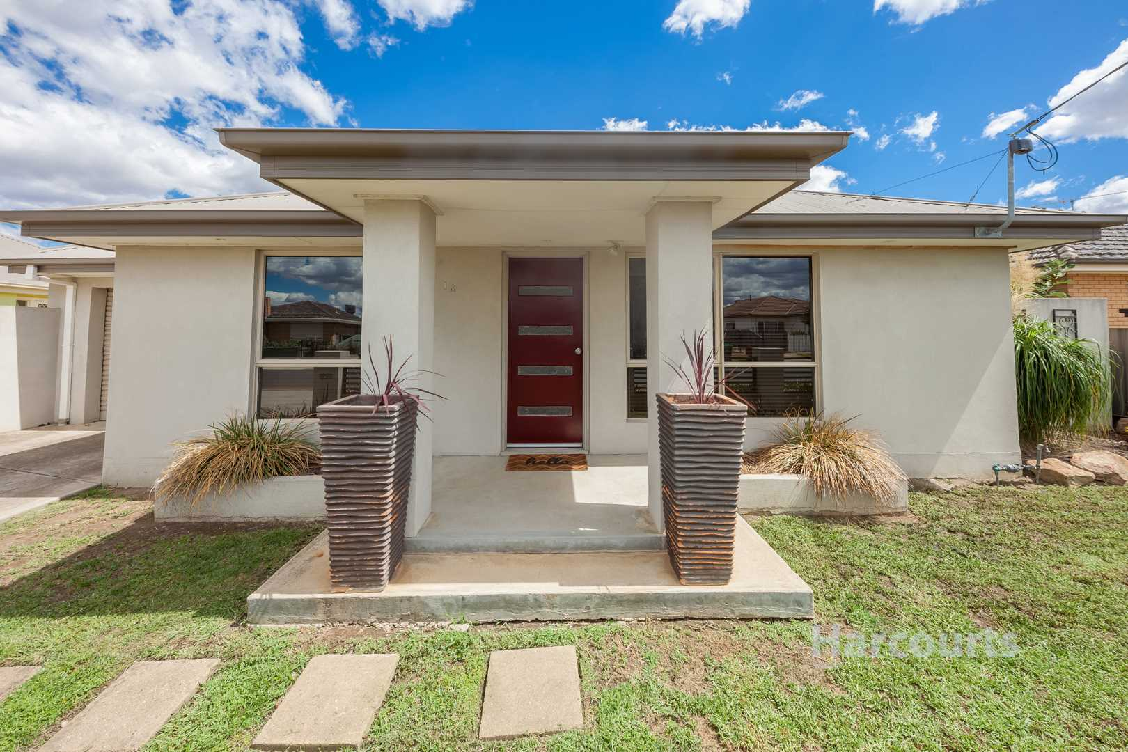 Two Bedroom Townhouse All On Your Own - 269m2
