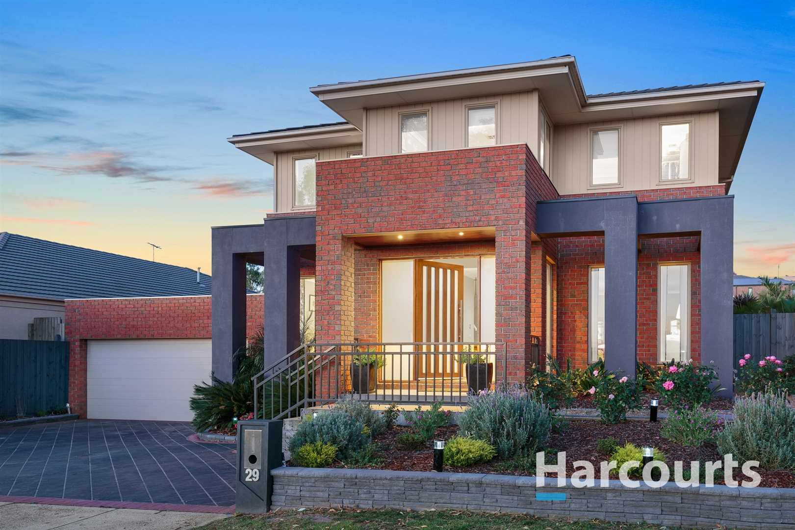 Immaculate Modern Family Home and Entertainer