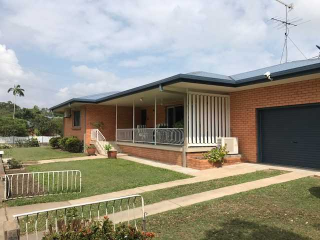 Beautifully Presented Lowset Brick Home