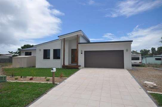 11 Red gum Court