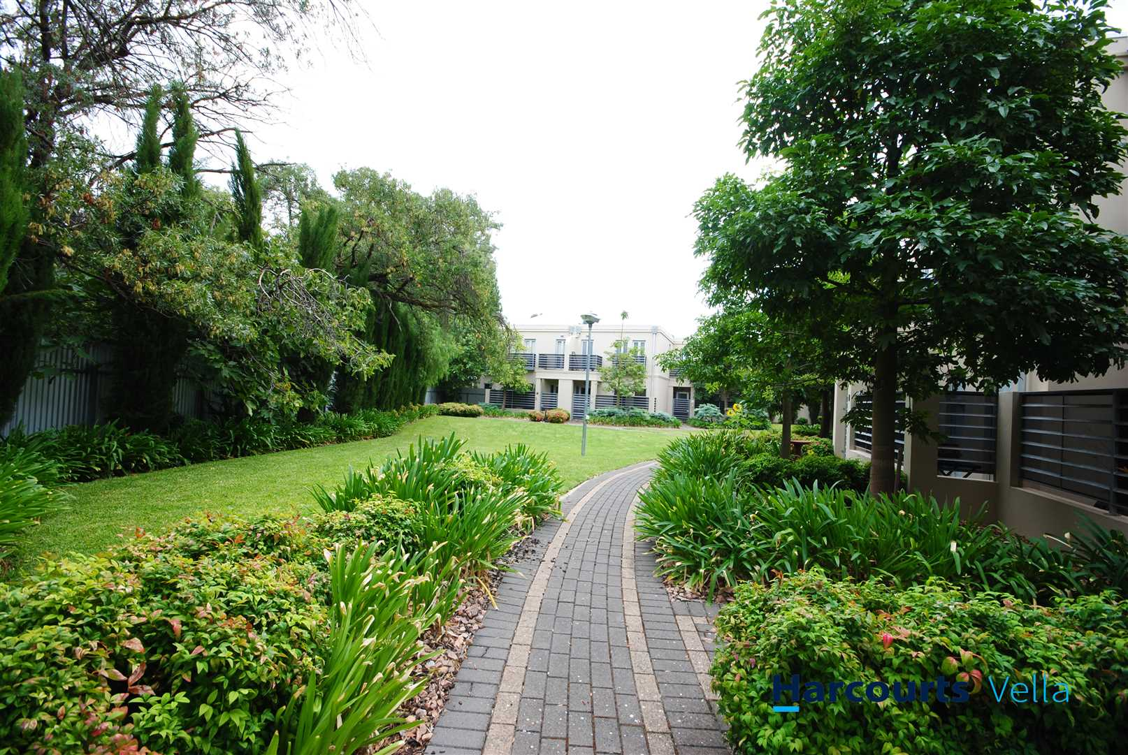Two-Storey Executive Residence in a Fantastic Location!
