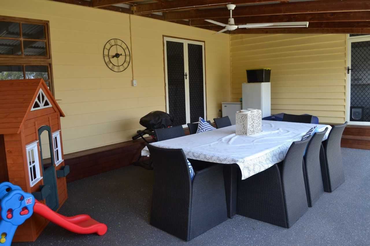 Family Patio and Casual Dining