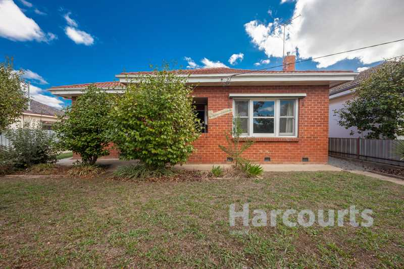 843 m2 Classic Red Brick West End