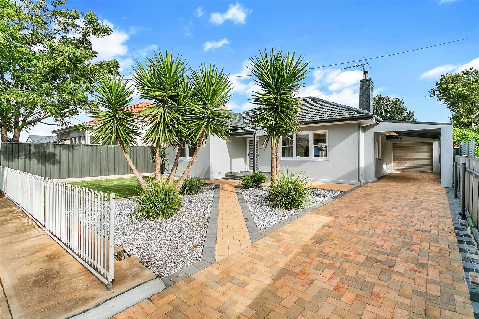 Fully renovated residence in a pristine location !