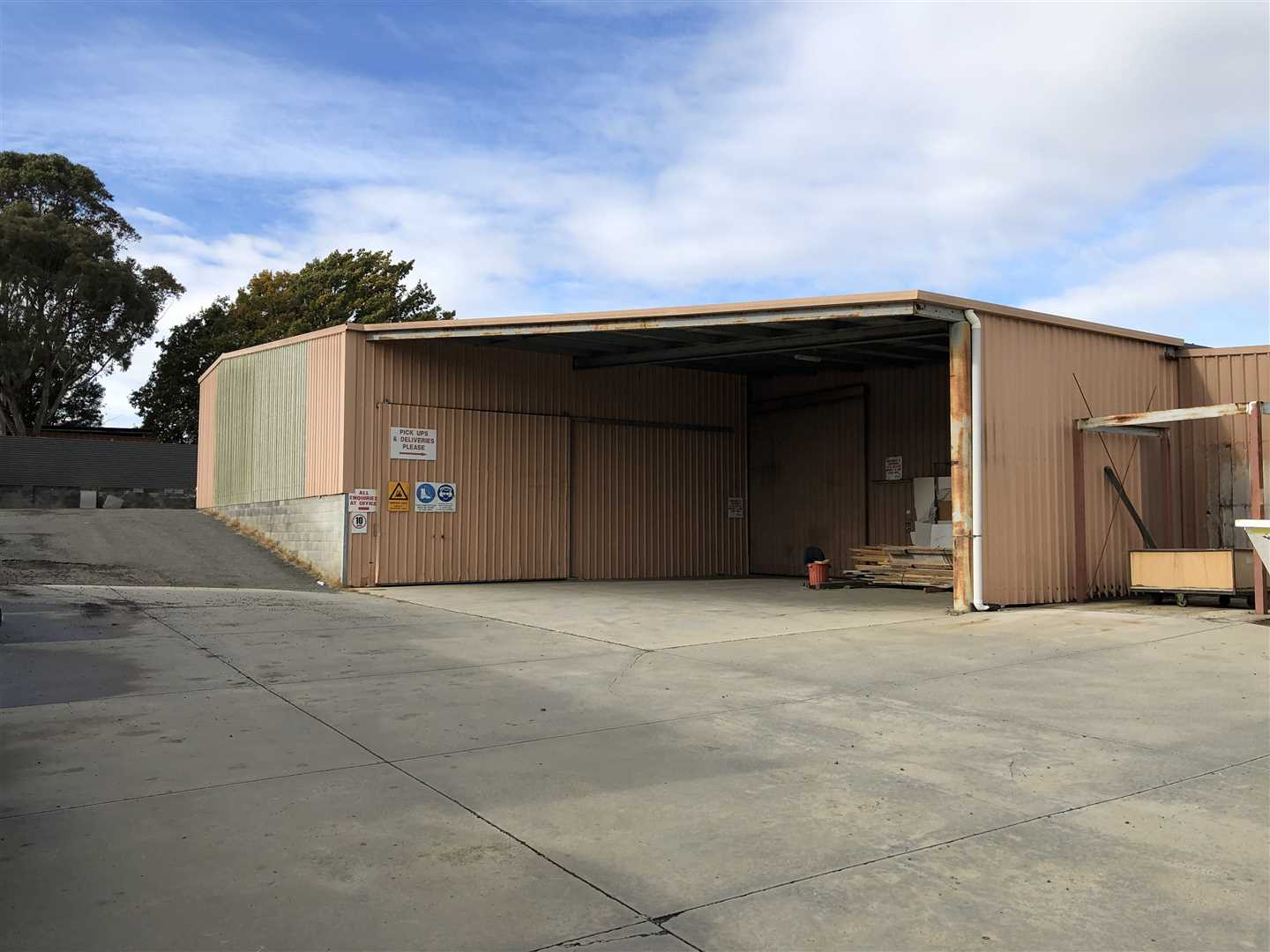 Large Warehouse/Office Leasing Opportunity-South Launceston