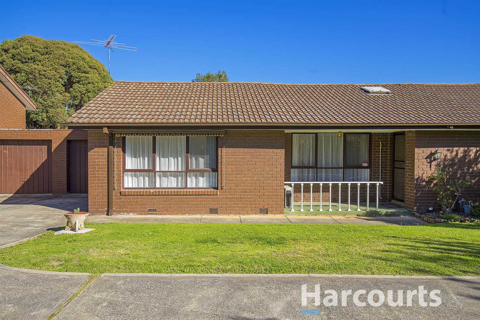 Immaculate Two Bedroom Unit!