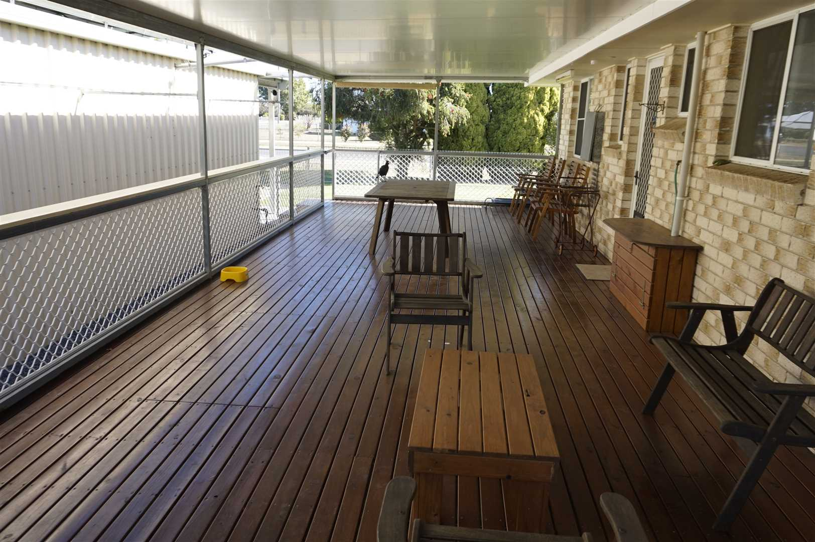 Entertainment Deck