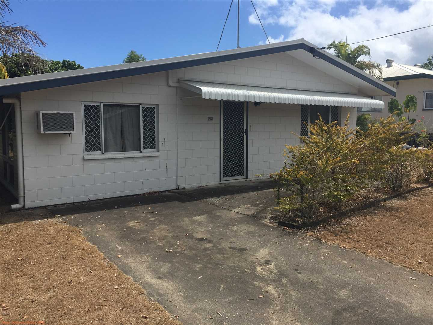 2 Bedroom Family home close to beautiful Cardwell foreshore.