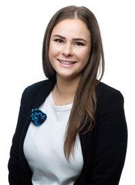Chloe Cox