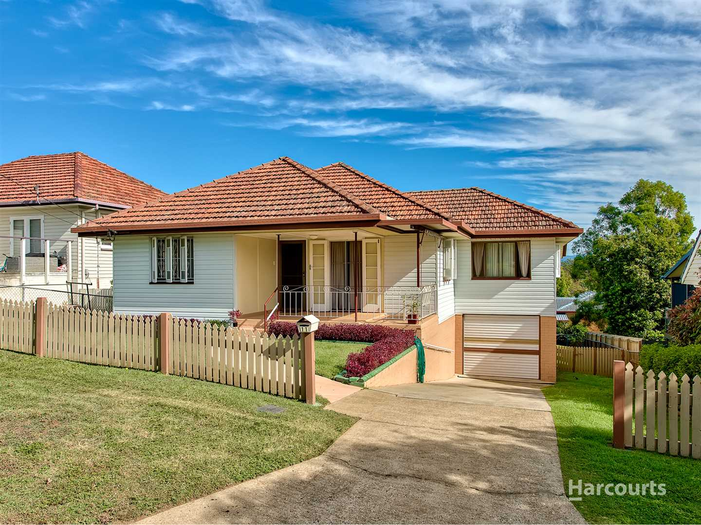 Perfectly positioned family home on a 610m2 block !