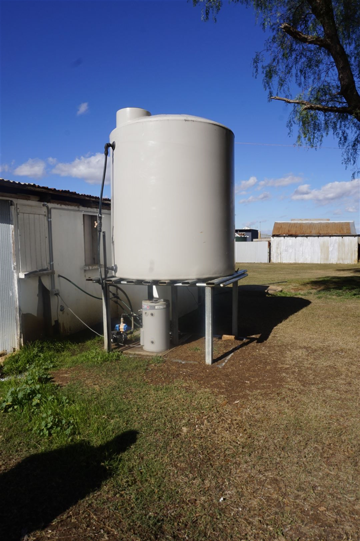 2nd Bore Tank For all troughs & Toilets