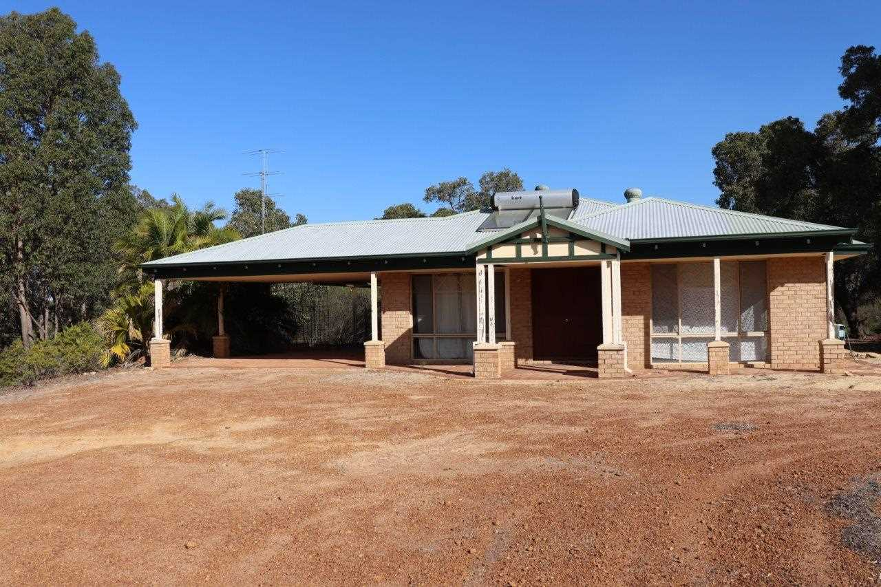 """Mindarra Farm"" Secluded Country Home on Large Acreage"