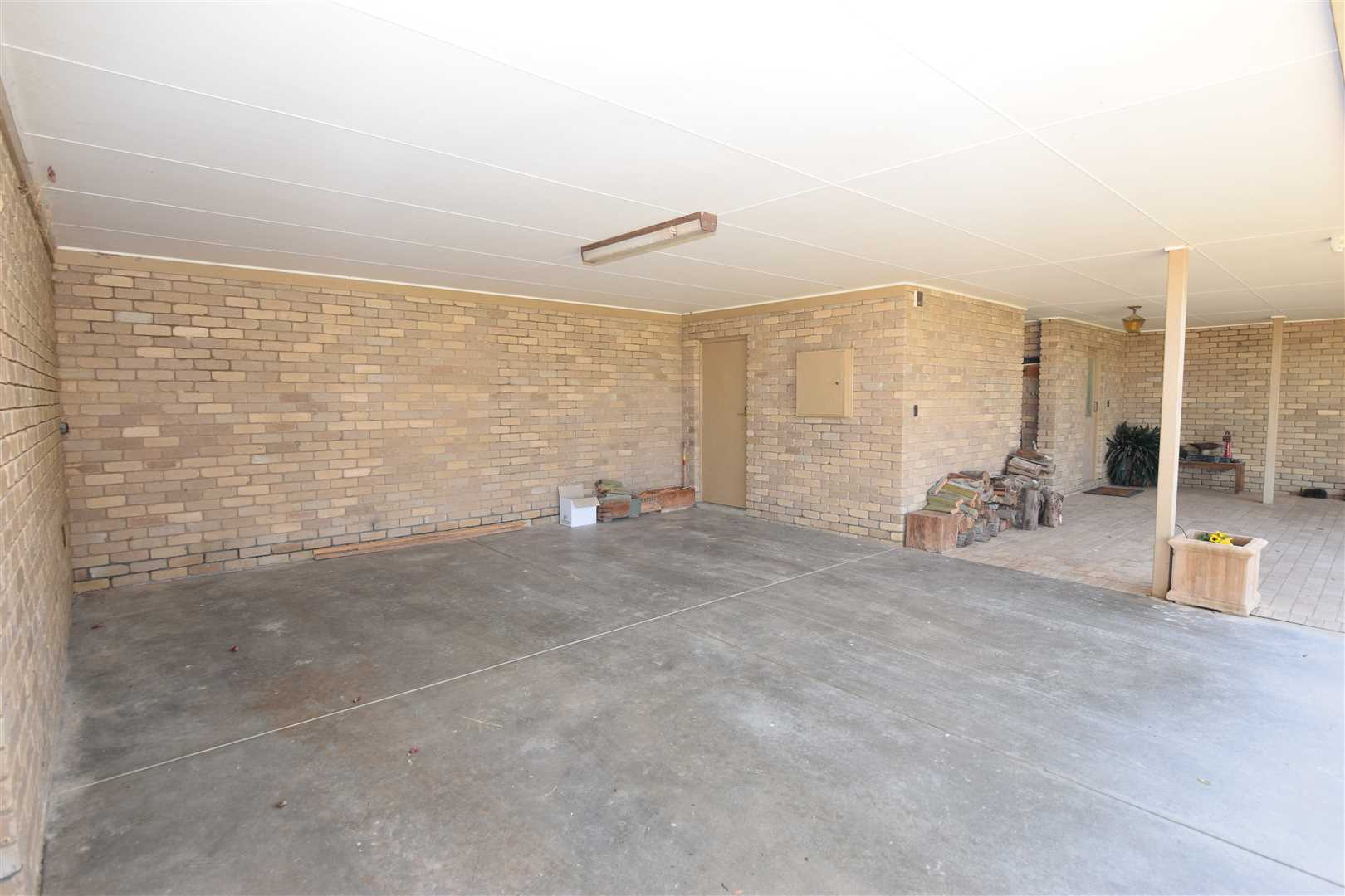 Carport, Storage, outside toilet