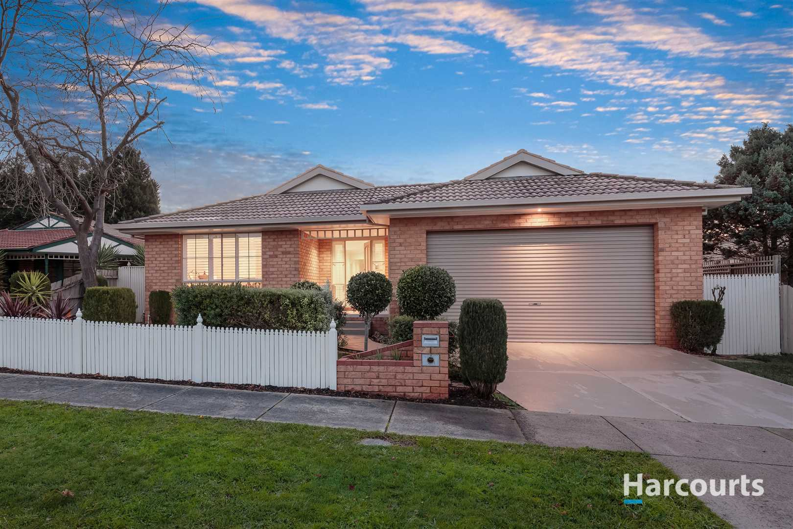 Immaculate Home - Plenty of Space to Entertain