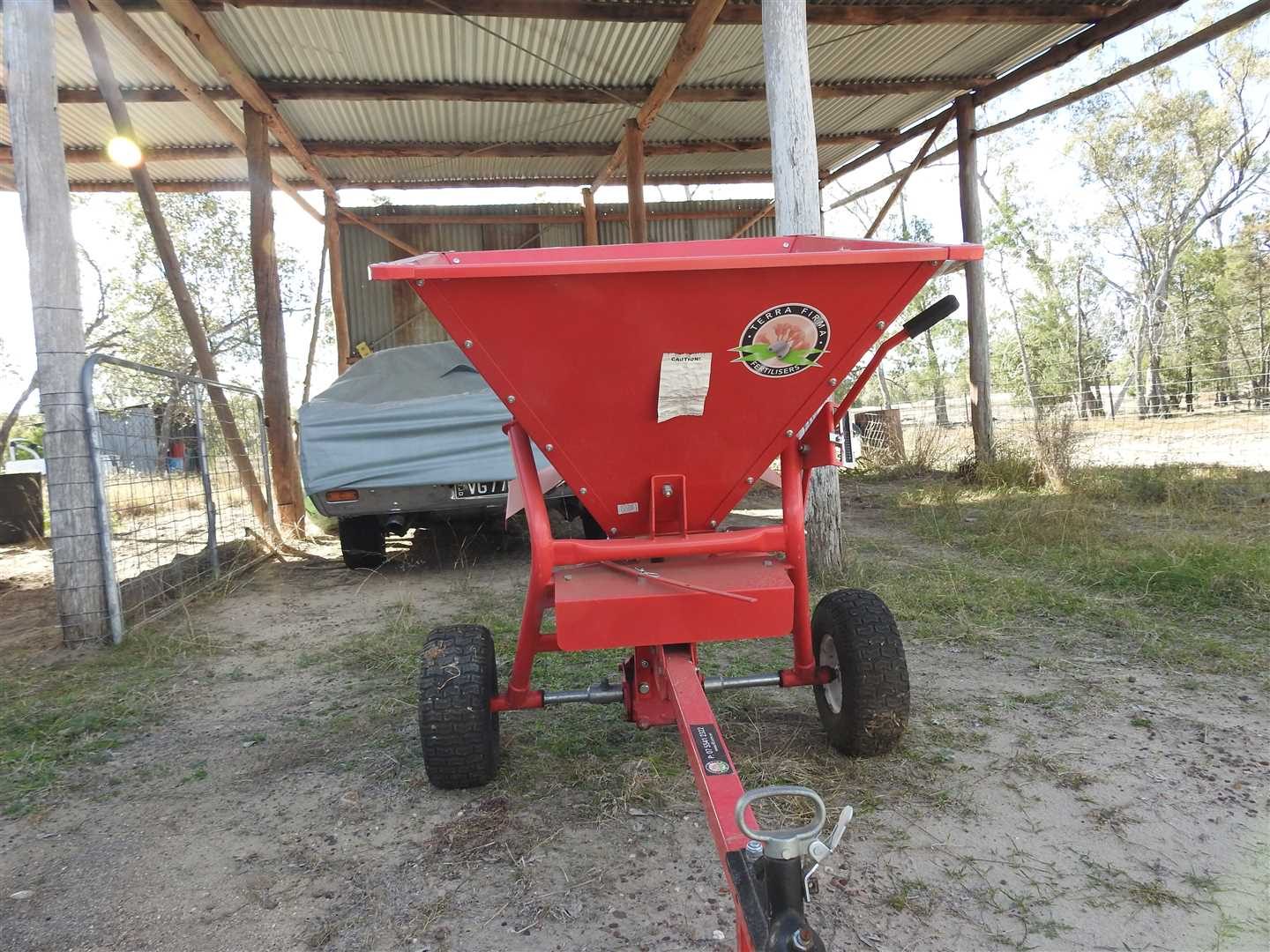 Spreader- suitable to use behind 4 wheel bike also