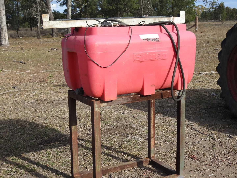 Silvan 200l spraytank with 12v pump and motor bike spray boom and
