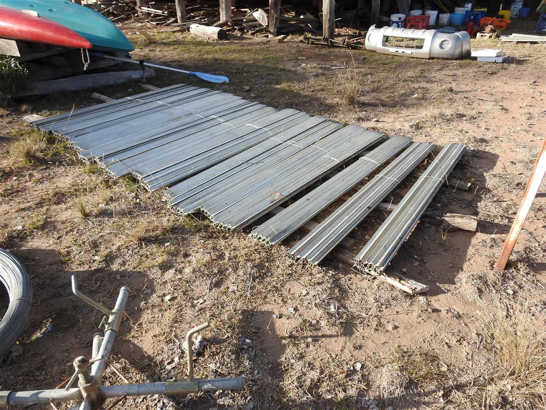 18 bundles of steel galvanised posts- 6ft