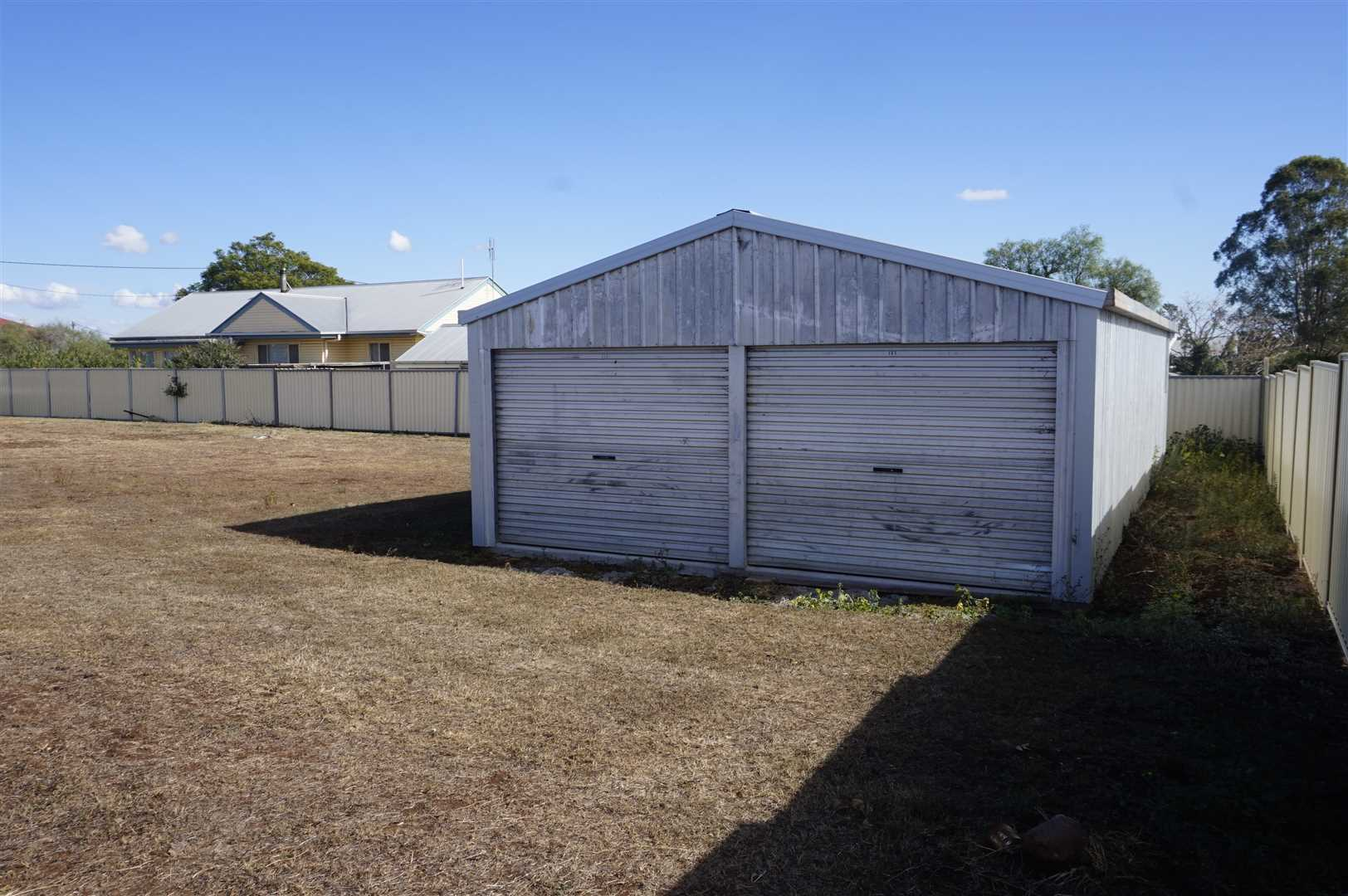 12m x 6m Shed and Vacant Land 1012m2