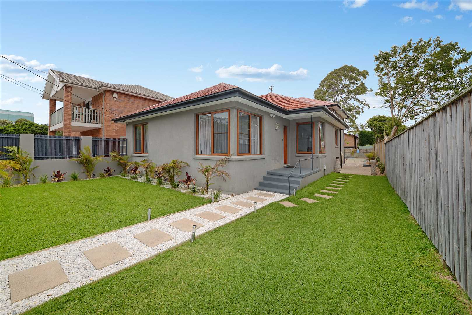 Large modern family home in great location