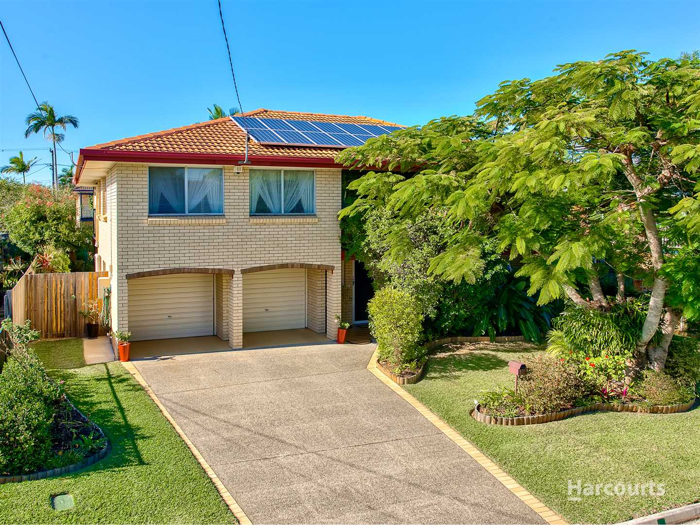 Quality Brick and Tile Highset Family Home